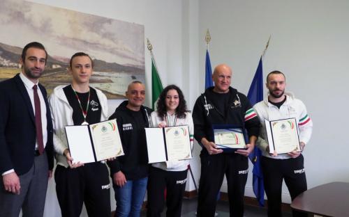 Premiazione dell'assessore allo sport Brogi L. ai 4 campioni italiani